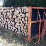 palivové dřevo metrové v kontejneru